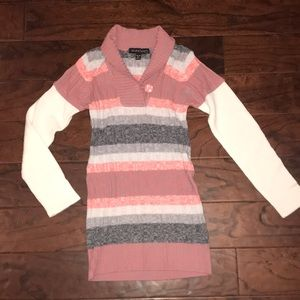 💞4/$15💞Girls sweater size XL 16.